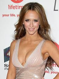 jennifer love hewitt hair extensions jennifer love hewitt admits to wearing vanilla extract to attract