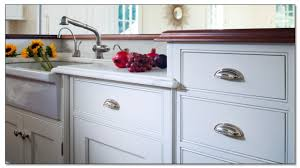 Kitchen Cabinet Hardware Ideas To Bring Your Dream Kitchen Into - White kitchen cabinet hardware