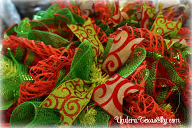 Halloween Wreaths Using Deco Mesh by Christmas Deco Mesh Wreath Instructional Tutorial Under A Texas Sky