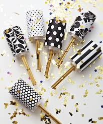 new years party poppers 25 diy sparkly ideas new years confetti poppers confetti and