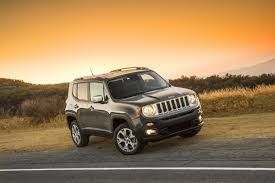 jeep renegade 2018 interior 2018 jeep renegade gains an updated interior and new standard