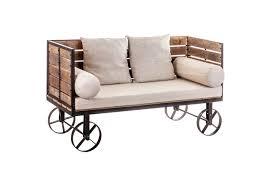 canapé industriel canapé industriel original sur roues en bois et métal vical home vi