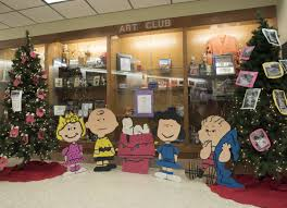 charlie brown u0027s christmas special is theme for cleveland u0027s parade
