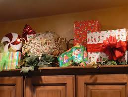 ideas for decorating above kitchen cabinets christmas