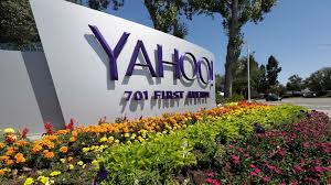 yahoo salvages verizon deal by giving it a 350 million discount