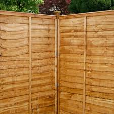 5ft x 6ft waltons horizontal overlap pre treated wooden garden