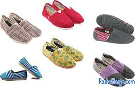 Sepatu Wakai Harganya sepatu wakai maroon motif daftar update harga terbaru indonesia