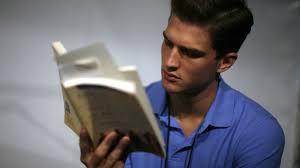 how to read 200 books a year quartz