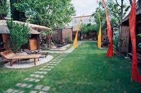 chambre d hote uzes avec piscine le jardin partagé avec bassin et piscine en plein centre d uzès