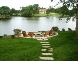 Backyard Stepping Stones by Best 25 Stone Walkways Ideas On Pinterest Stone Walkway