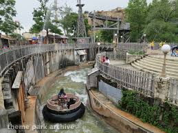 Six Flags Water Parks The Gully Washer At Six Flags Fiesta Texas Theme Park Archive