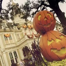 Halloween Holiday In Usa Disney Hipster Blog Autumn On Main Street Usa
