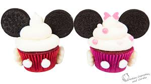 minnie mouse cupcakes mickey and minnie mouse cupcakes a collab with charli s crafty