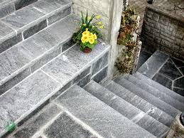 treppe naturstein treppe naturstein mit abdeckplatte kaderli ag gartenbau