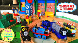Thomas The Train Play Table Thomas Train Thomas And Friends Wood Play Table Sodor Steamworks