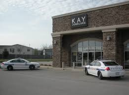 kay jewelers black friday update police investigate theft at kay jewelers in effingham
