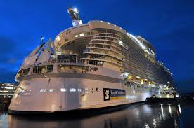 amazing world oasis of the seas the largest luxury cruise ship