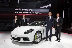 porsche petron porsche presents the panamera 4 e hybrid and 911 gt3 cup racing