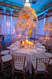 Wedding Centerpieces For Round Tables by 38 Best Silver Tablecloths Images On Pinterest Tablecloths