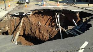 New York Sinkhole Map by Sinkhole Opens Up In Brooklyn U0027s Sunset Park Neighborhood Blocking