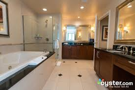 84 one bedroom suite photos at the signature at mgm grand oyster com