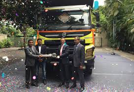 volvo group trucks sales volvo makes its 10 000th truck delivery in india
