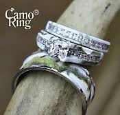 his and camo wedding rings his hers wedding set