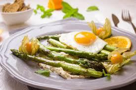 cuisiner asperges cuisson des asperges comment les cuire et les préparer aux fourneaux