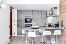 cuisine avec table cuisine avec table comptoir et four intégré iq700 contemporain