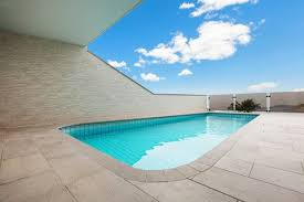 cost to build an in ground concrete swimming pool estimates and