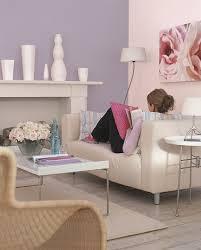 canapé couleur aubergine couleur aubergine ideale pour le salon combine a du beige et gris clair jpg