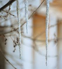 How To Make Winter Wonderland Decorations 10 Ways To Turn Your Home Into A Frozen Themed Winter Wonderland