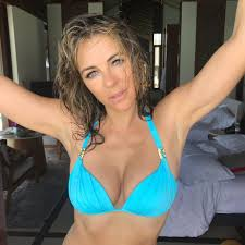 taryn manning porn elizabeth hurley bikini porn for social media of the day