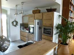 cuisine bois et inox cuisiniste avignon 84 cuisine en chêne plan travail dekton