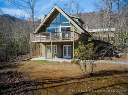 camelot a 3 bedroom cabin in gatlinburg tennessee mountain