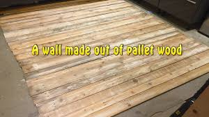 a wall made out of pallet wood