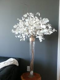 Diy Lantern Centerpiece Weddingbee by Best 25 Non Floral Centerpieces Ideas On Pinterest Sheet Music
