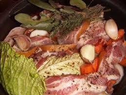 cuisiner du choux vert potée au chou vert et au lard recette de potée au chou