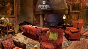 gryffindor bedroom the gryffindor common room set in 360 degrees warner bros
