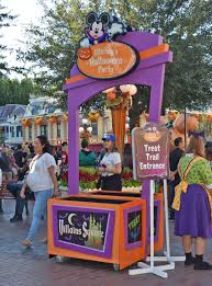 disneyland halloween decoration schedule 2016