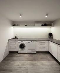 cuisine avec machine à laver buanderie 30 idées d aménagement dans une arrière cuisine une
