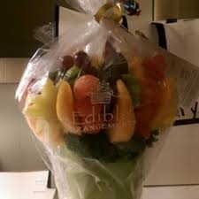 fruit arrangements nyc edible arrangements 37 reviews florists 1756 broadway