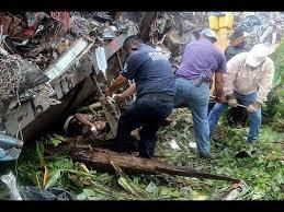 la bestia la bestia derails in mexico 6 killed many injured