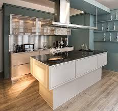 les cuisines but meuble de cuisine gris but idées décoration intérieure farik us