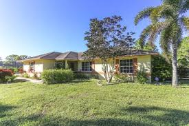Red Barn In Loxahatchee Fl 1363 F Rd Loxahatchee Fl 33470 Home For Rent Realtor Com