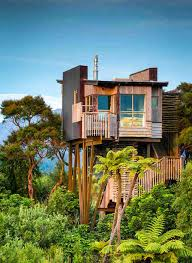 airbnb mansion los angeles greatest treehouses to rent on airbnb thrillist