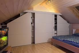Schlafzimmerschrank Schiebet En Schrank In Der Dachschräge Nach Mass Dachschrägenschrank