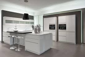 modele cuisine blanche cuisine design blanche cuisine blanche et noir beautiful