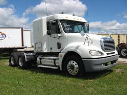 freightliner trucks for sale 2005 freightliner columbia sleeper 4564 rem 8 500 00