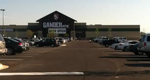 gander mountain black friday 2017 gander mountain not closing all stores owner says liquidation